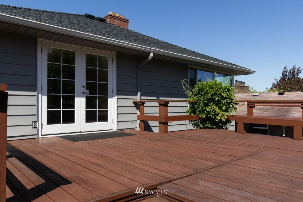 Sold Property | 2615 W Crockett Street Seattle, WA 98199 20