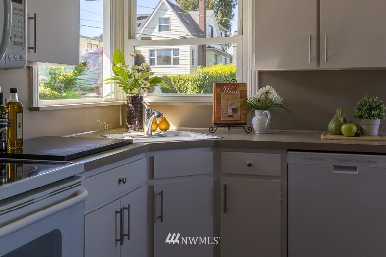 Sold Property | 2615 W Crockett Street Seattle, WA 98199 7