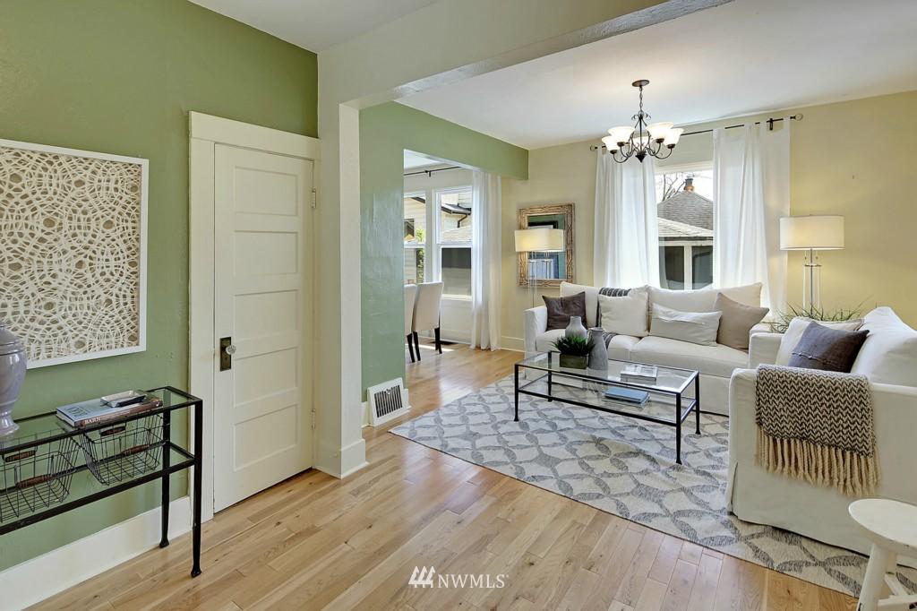 Sold Property | 8310 Dayton Avenue N Seattle, WA 98103 2