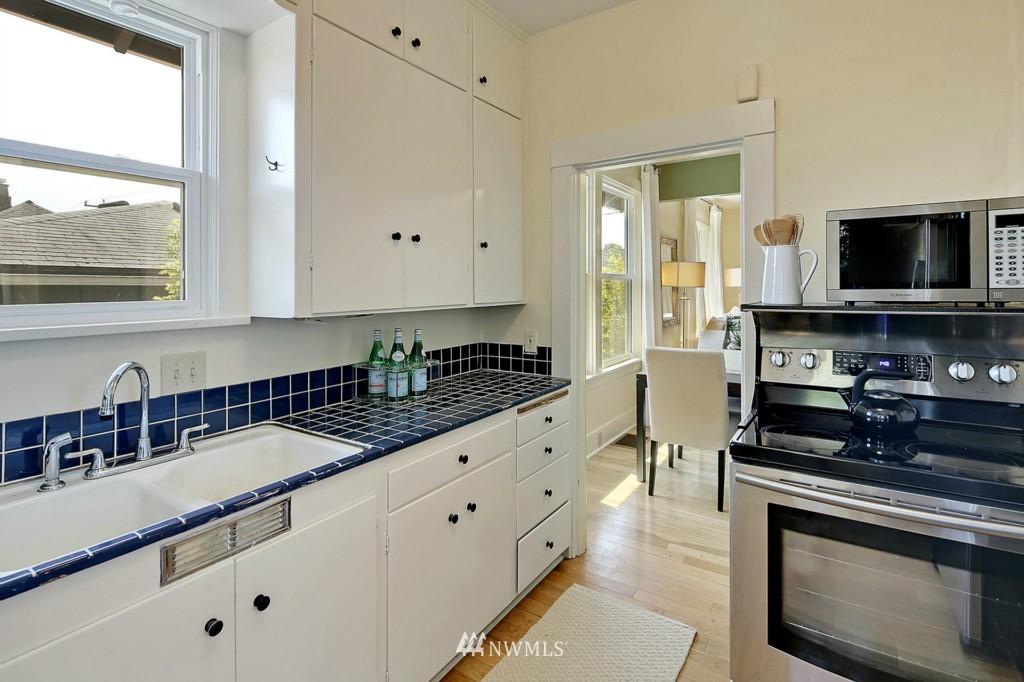 Sold Property | 8310 Dayton Avenue N Seattle, WA 98103 4