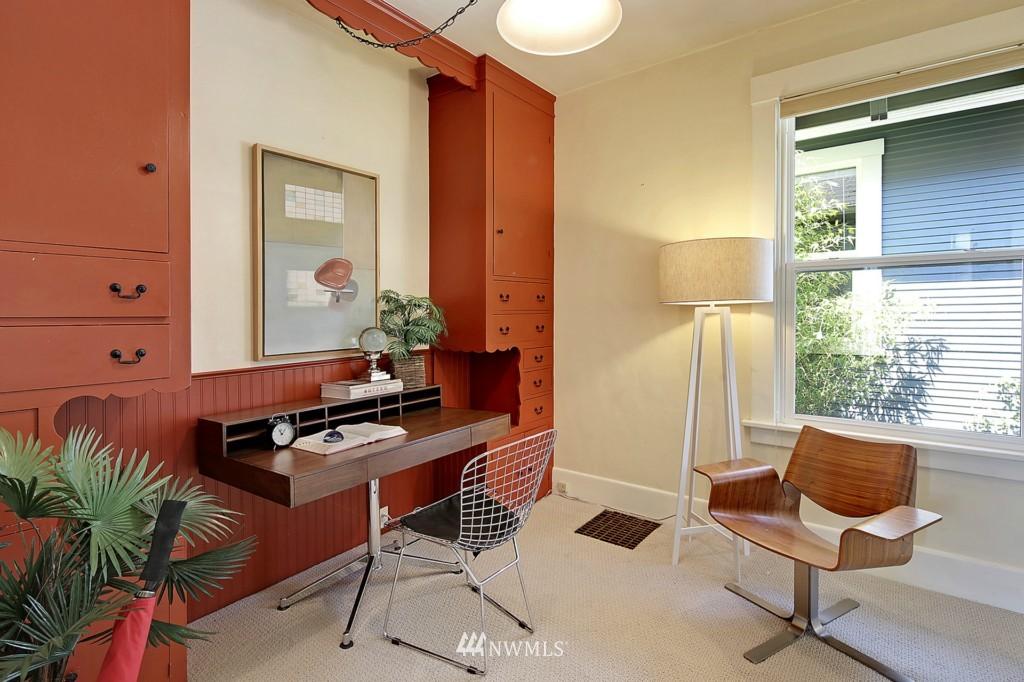 Sold Property | 8310 Dayton Avenue N Seattle, WA 98103 5