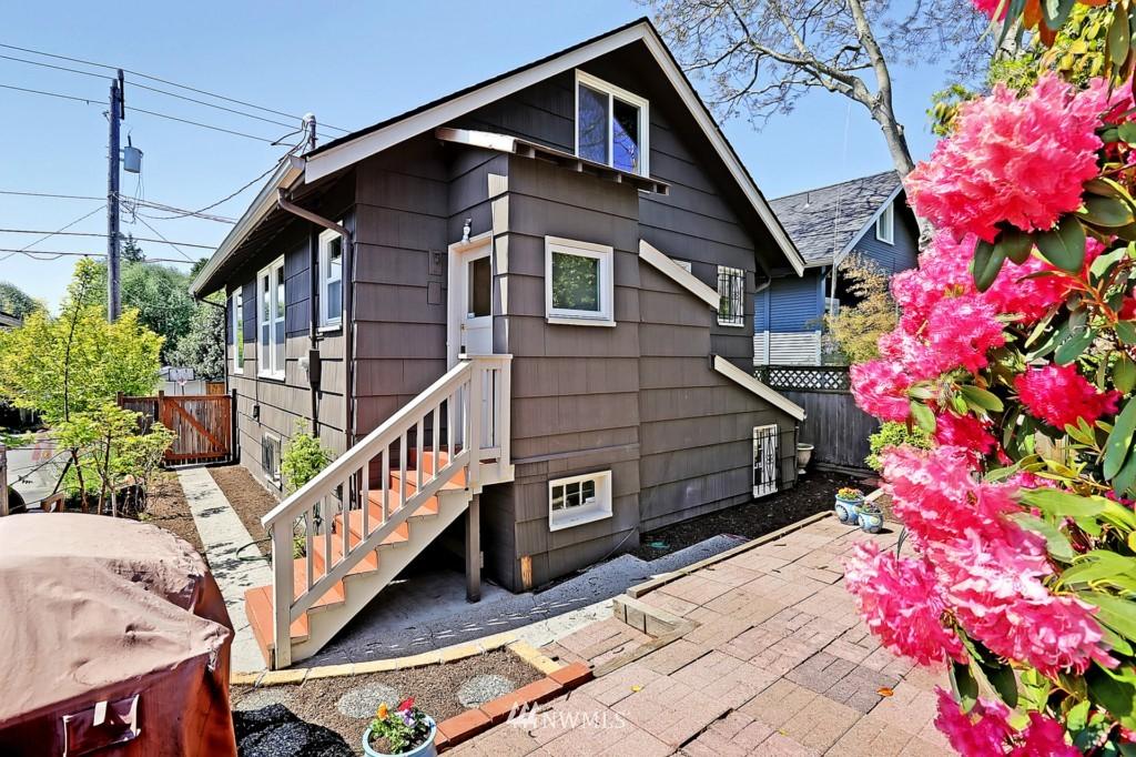 Sold Property | 8310 Dayton Avenue N Seattle, WA 98103 11