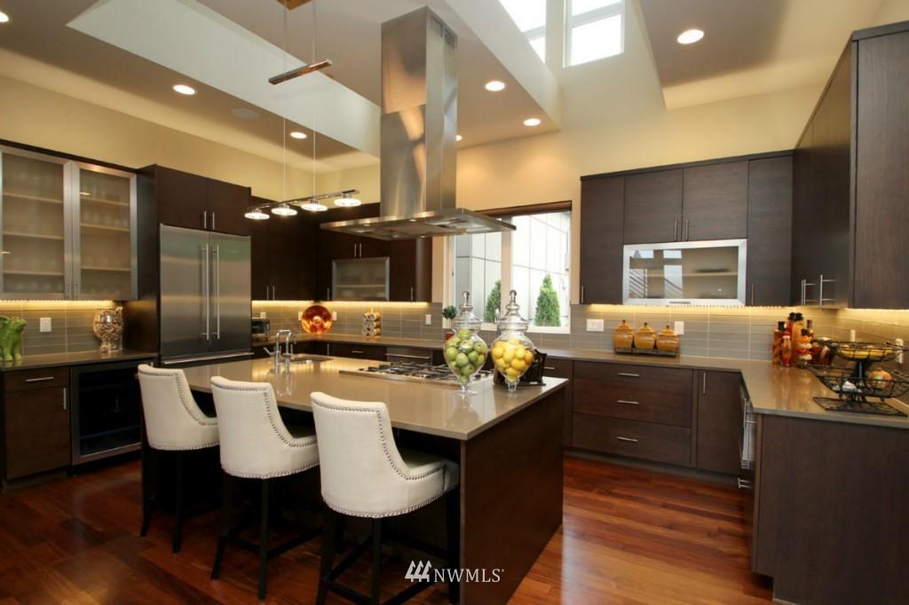 Sold Property | 211 NE 65th Street Seattle, WA 98115 2