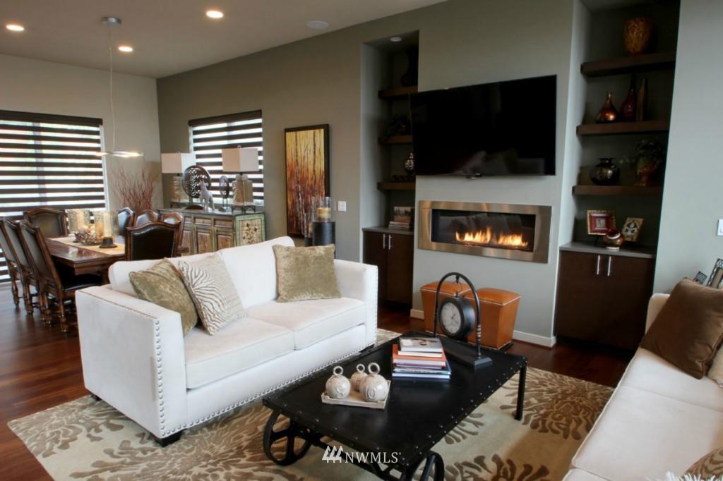 Sold Property | 211 NE 65th Street Seattle, WA 98115 7