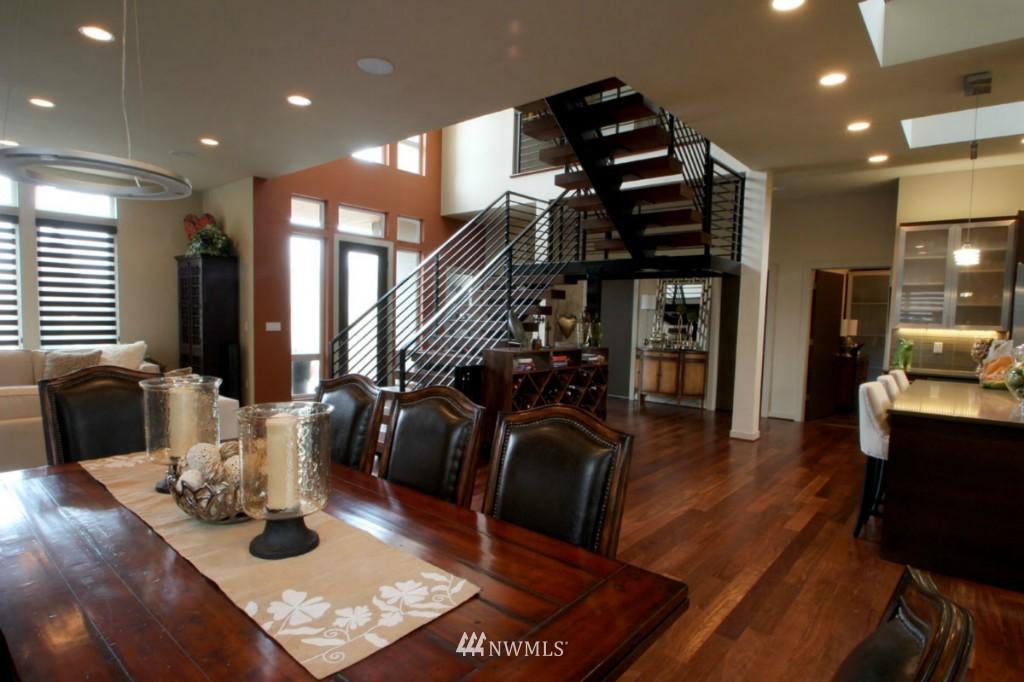 Sold Property | 211 NE 65th Street Seattle, WA 98115 8