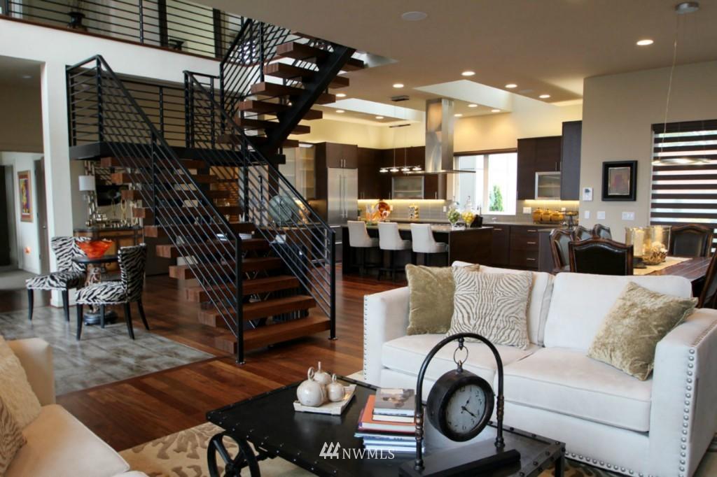 Sold Property | 211 NE 65th Street Seattle, WA 98115 10