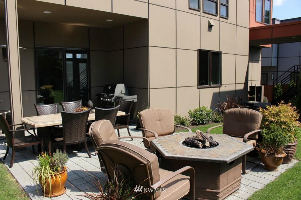Sold Property | 211 NE 65th Street Seattle, WA 98115 20
