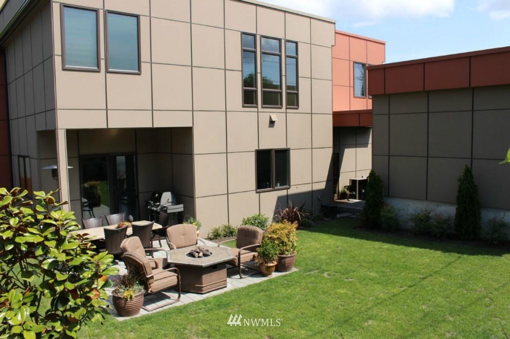 Sold Property | 211 NE 65th Street Seattle, WA 98115 21