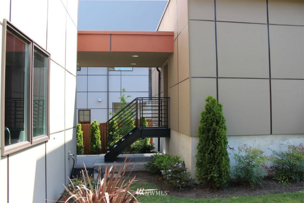 Sold Property | 211 NE 65th Street Seattle, WA 98115 23
