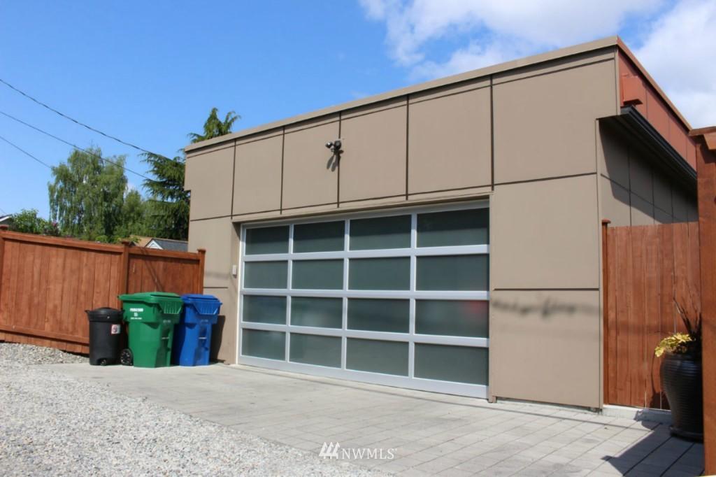 Sold Property | 211 NE 65th Street Seattle, WA 98115 24