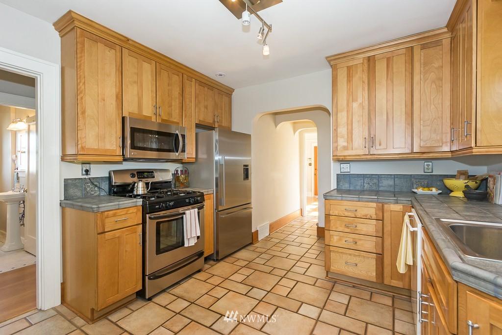 Sold Property   140 NE 63rd Street Seattle, WA 98115 4
