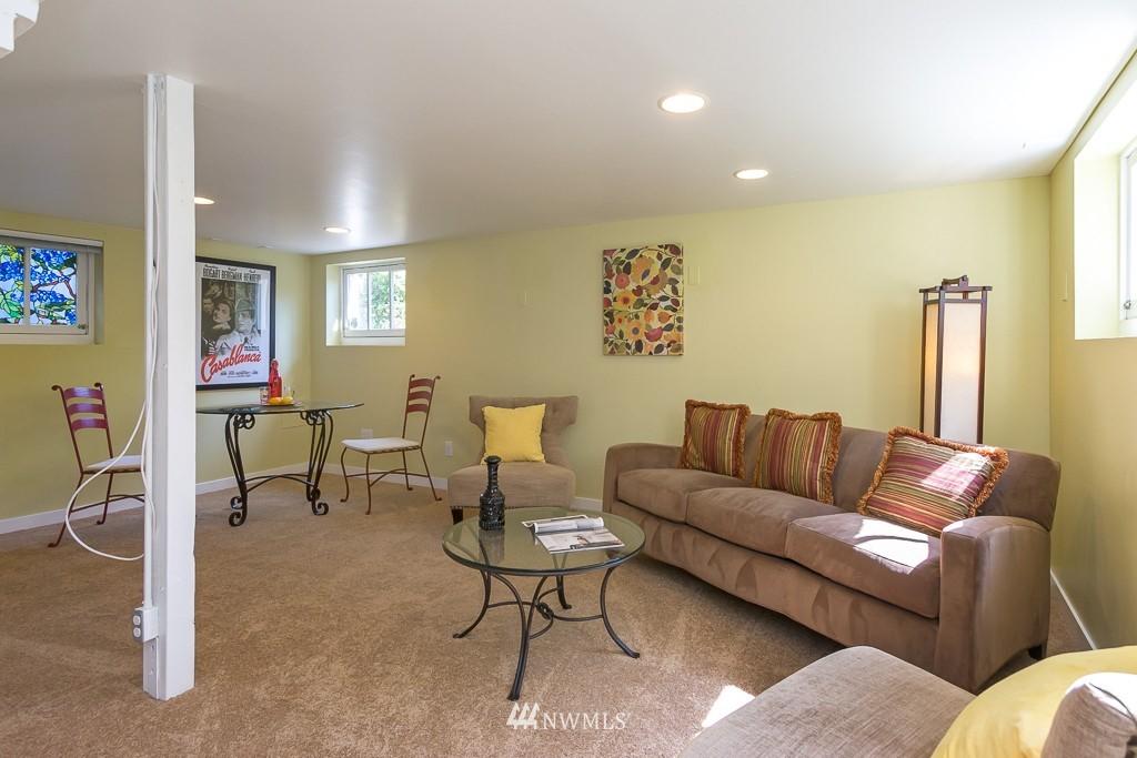Sold Property   140 NE 63rd Street Seattle, WA 98115 15