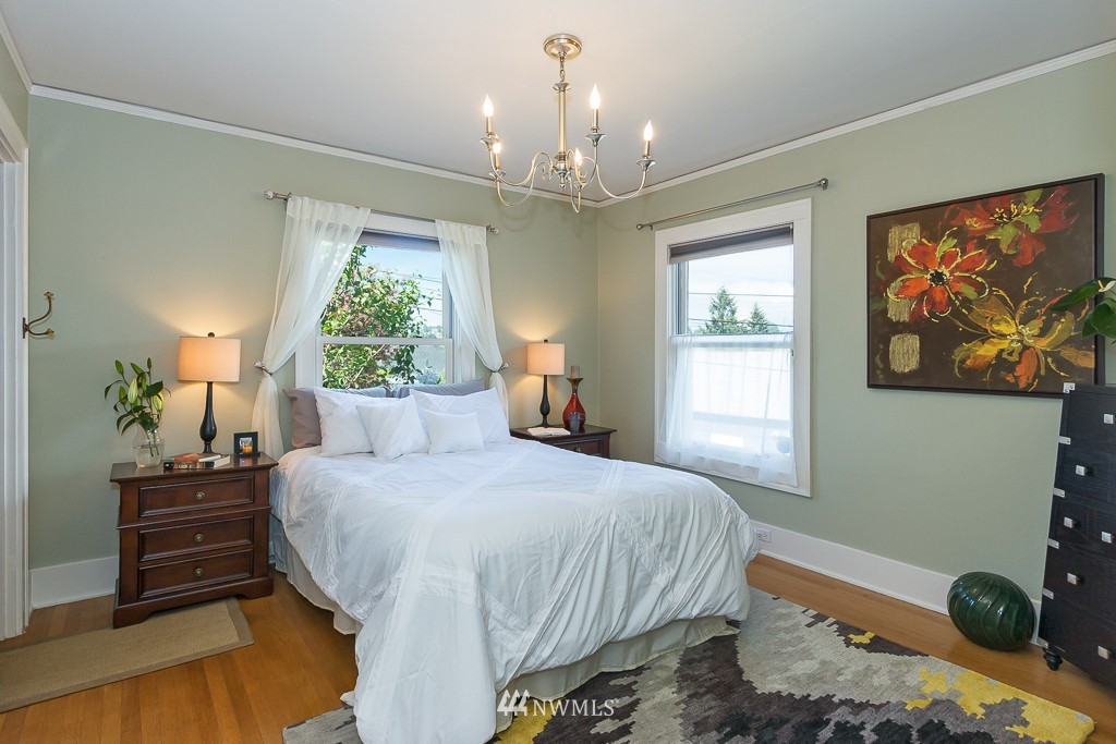 Sold Property   140 NE 63rd Street Seattle, WA 98115 8