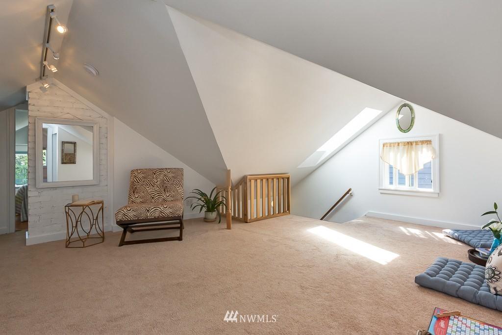 Sold Property   140 NE 63rd Street Seattle, WA 98115 9