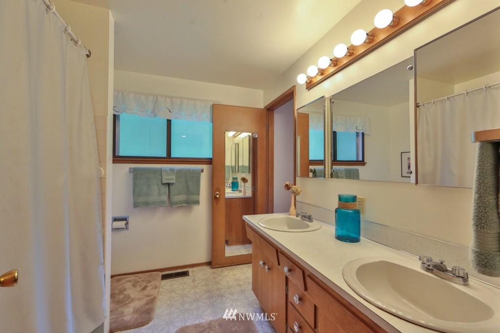 Sold Property   15524 Bagley Place N Shoreline, WA 98133 10