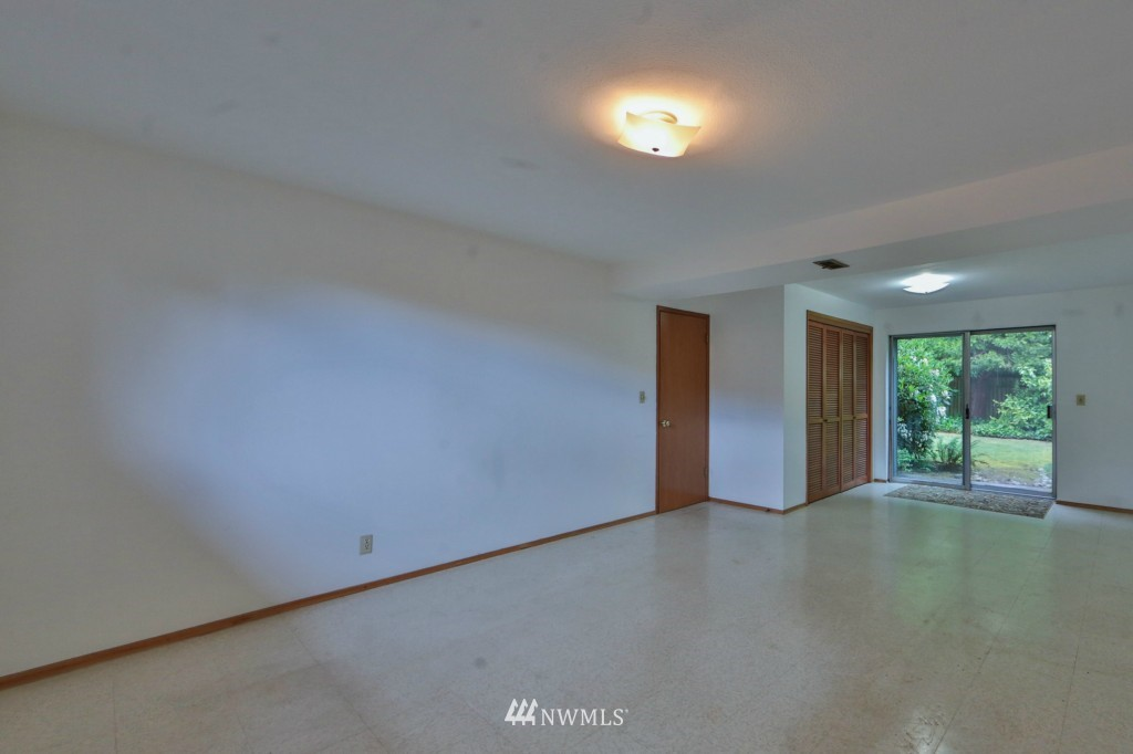 Sold Property   15524 Bagley Place N Shoreline, WA 98133 16