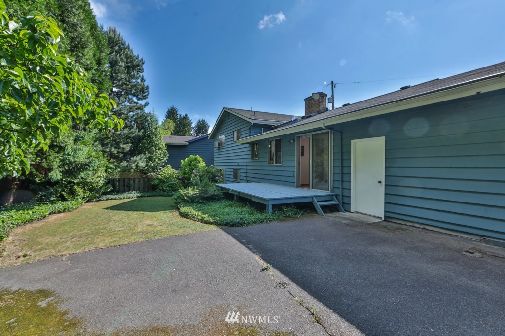 Sold Property   15524 Bagley Place N Shoreline, WA 98133 18