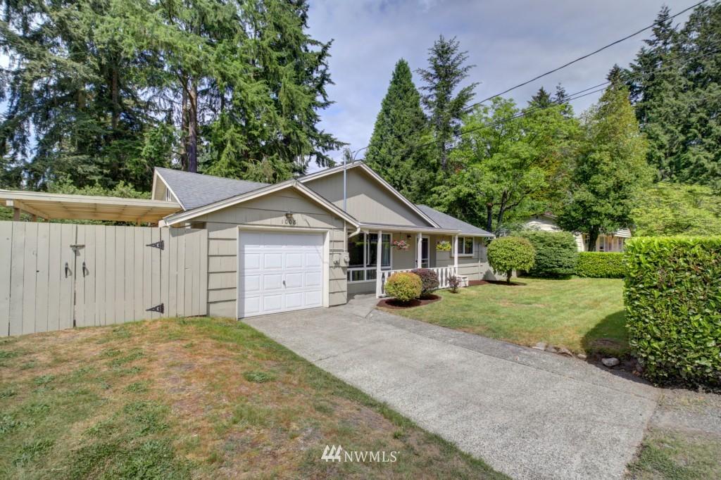 Sold Property | 1008 NE 126th Seattle, WA 98125 0