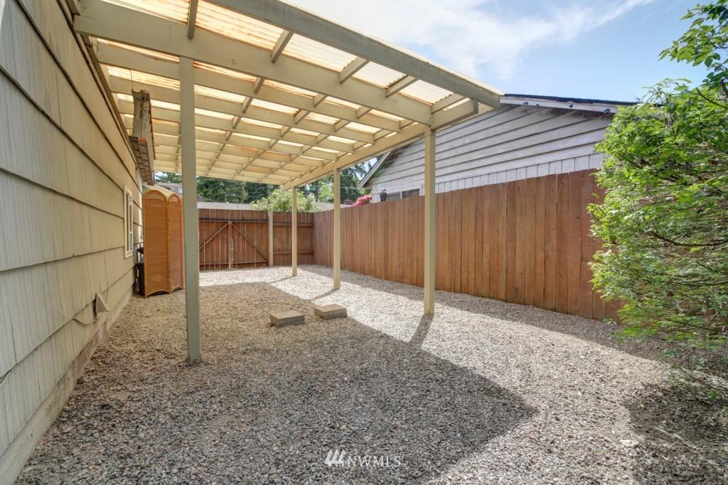 Sold Property | 1008 NE 126th Seattle, WA 98125 23