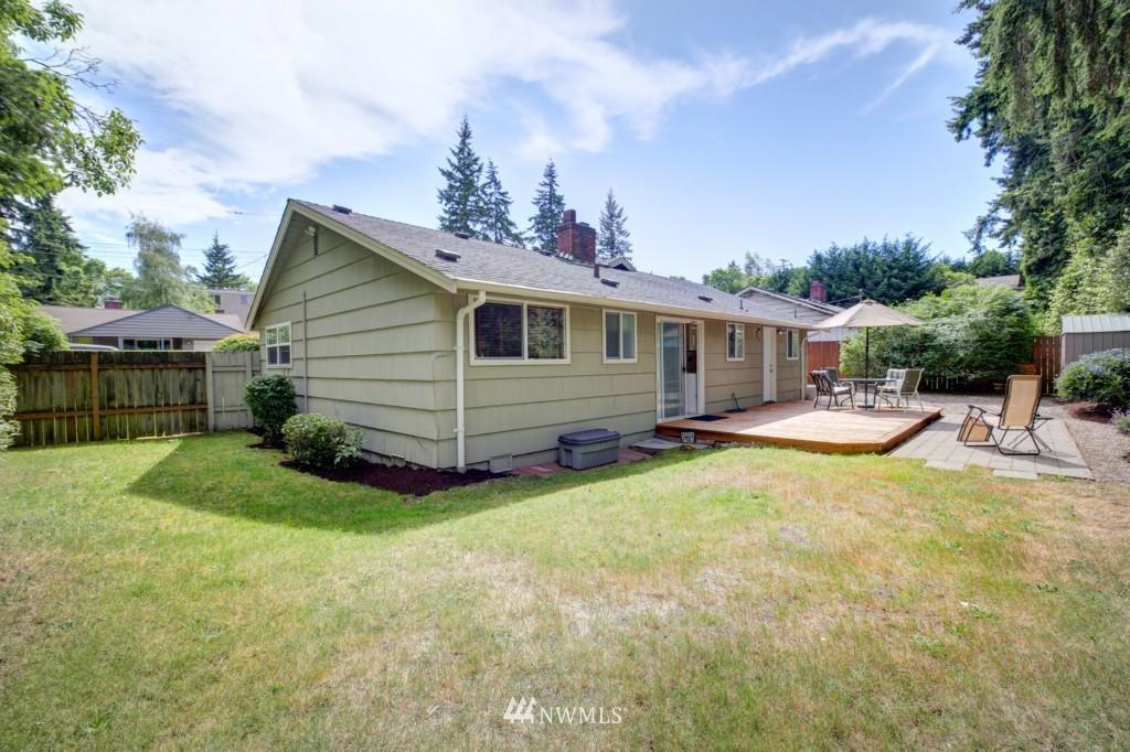 Sold Property | 1008 NE 126th Seattle, WA 98125 24