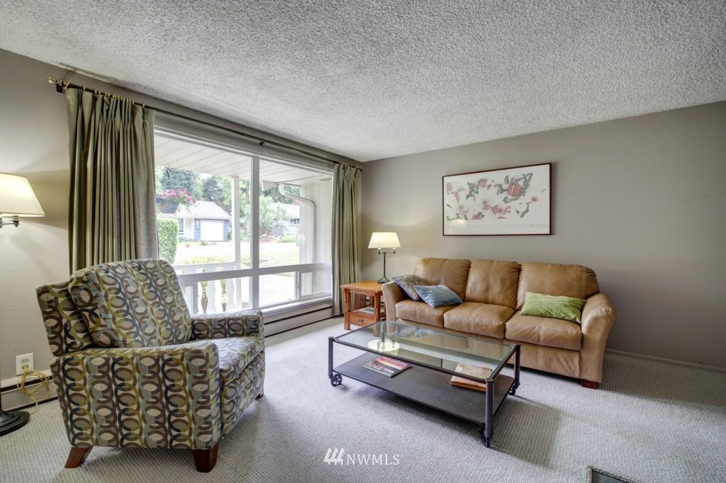 Sold Property | 1008 NE 126th Seattle, WA 98125 6