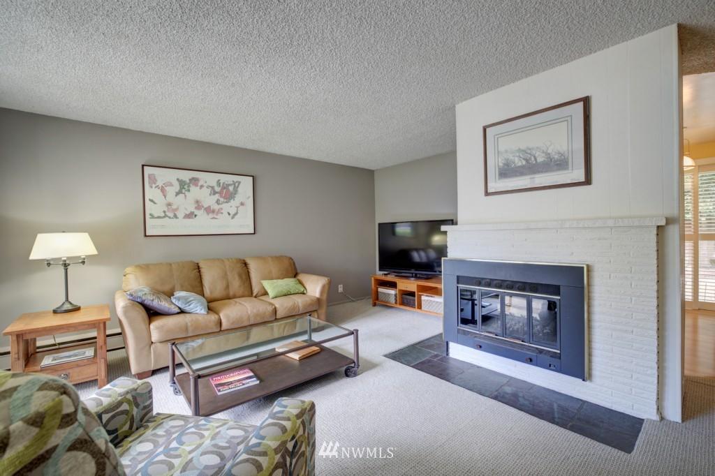 Sold Property | 1008 NE 126th Seattle, WA 98125 5