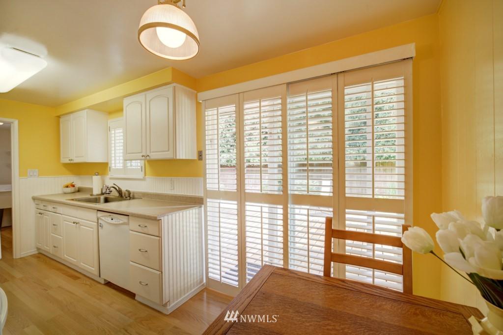 Sold Property | 1008 NE 126th Seattle, WA 98125 8