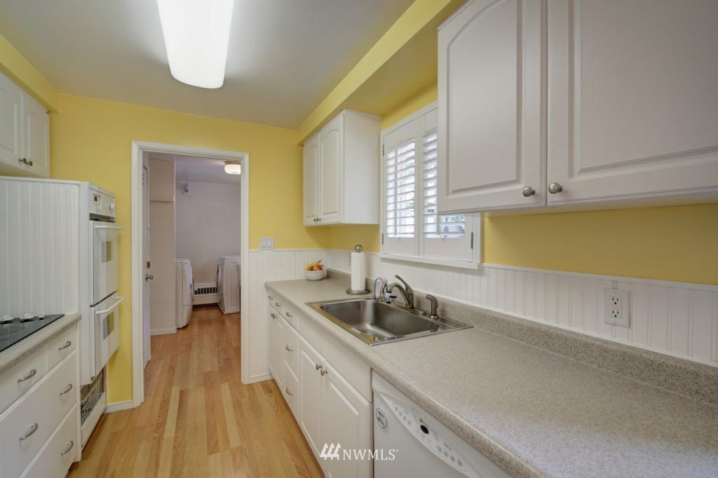 Sold Property | 1008 NE 126th Seattle, WA 98125 9