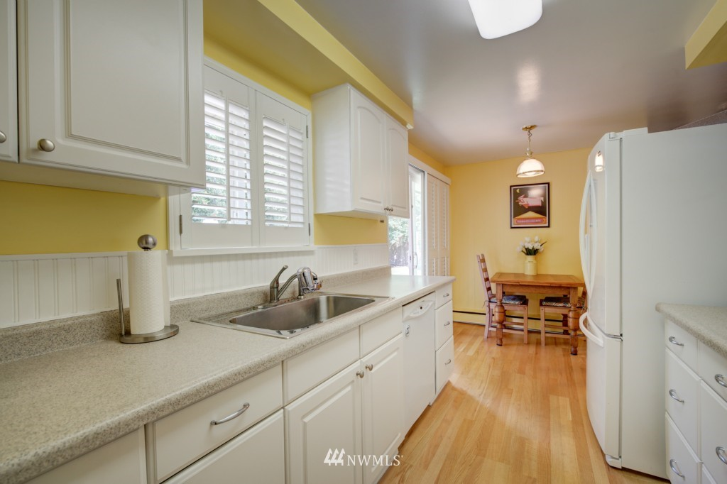 Sold Property | 1008 NE 126th Seattle, WA 98125 11