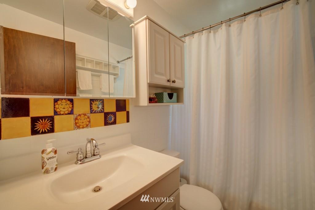 Sold Property | 1008 NE 126th Seattle, WA 98125 12