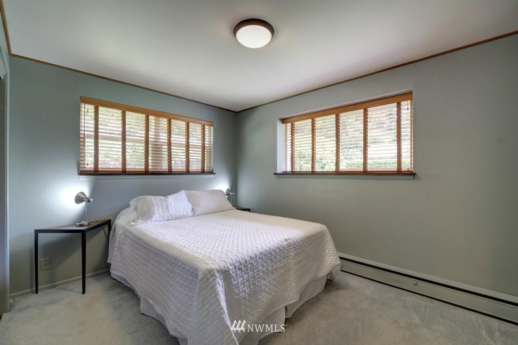Sold Property | 1008 NE 126th Seattle, WA 98125 18