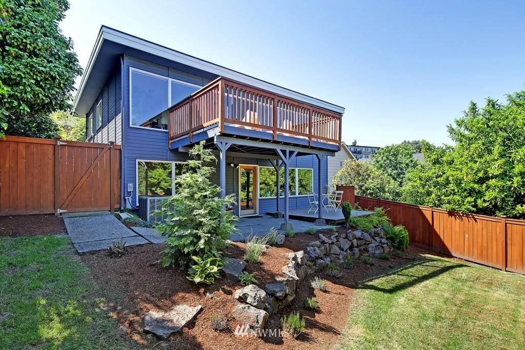 Sold Property   3242 25th Avenue W Seattle, WA 98199 21