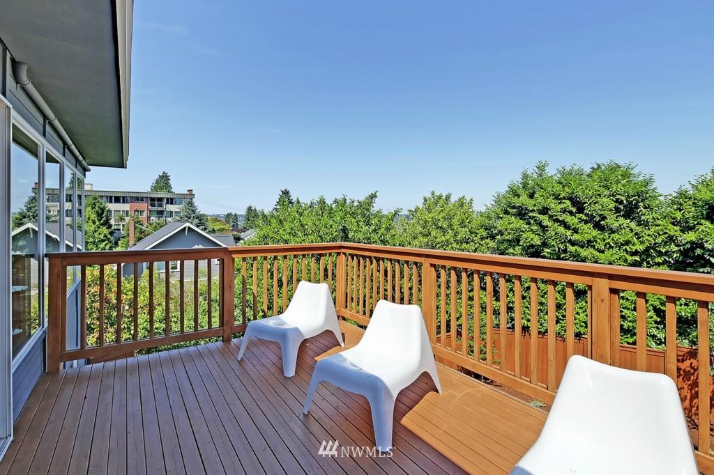 Sold Property   3242 25th Avenue W Seattle, WA 98199 8