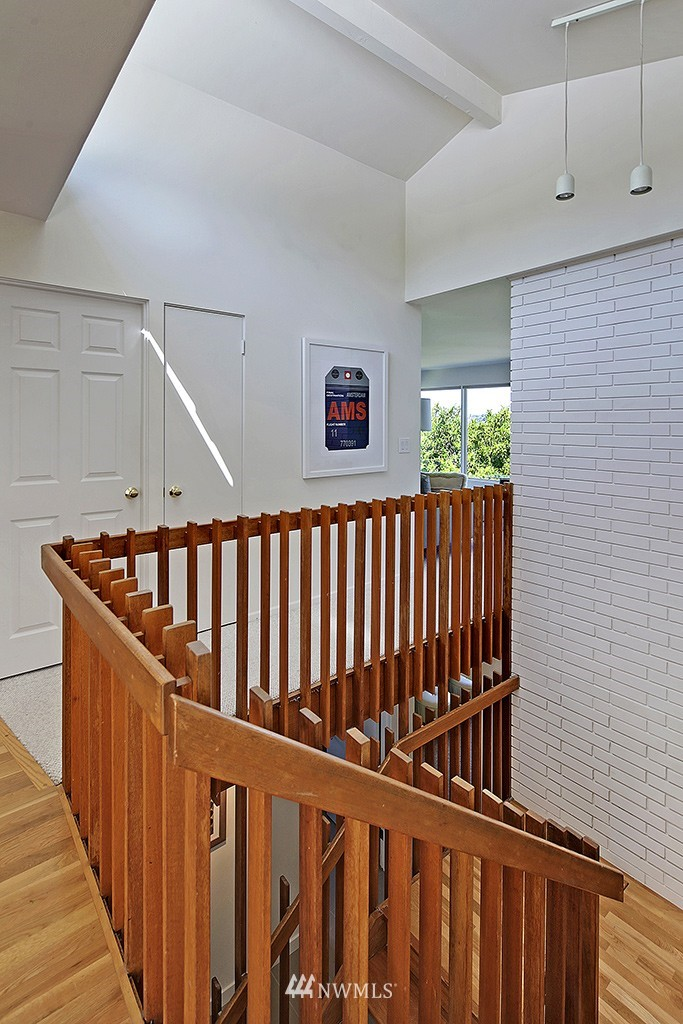 Sold Property   3242 25th Avenue W Seattle, WA 98199 2