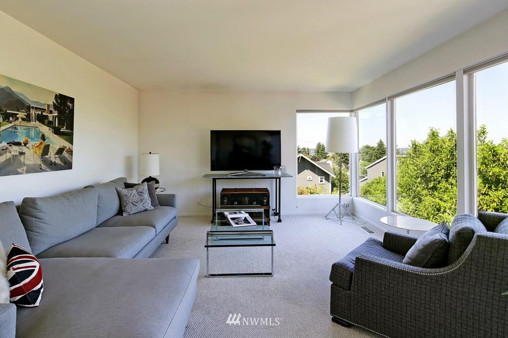 Sold Property   3242 25th Avenue W Seattle, WA 98199 5
