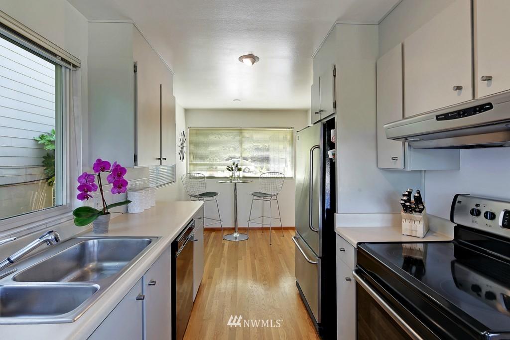 Sold Property   3242 25th Avenue W Seattle, WA 98199 9