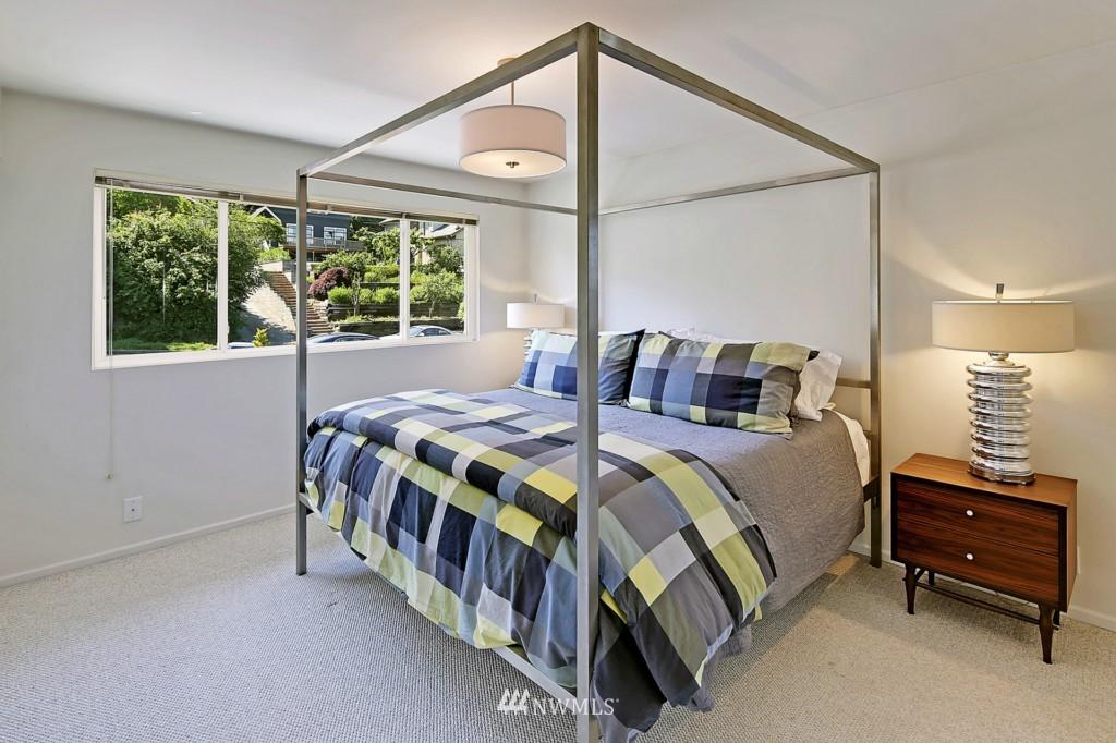 Sold Property   3242 25th Avenue W Seattle, WA 98199 15