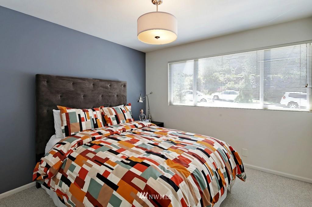 Sold Property   3242 25th Avenue W Seattle, WA 98199 17