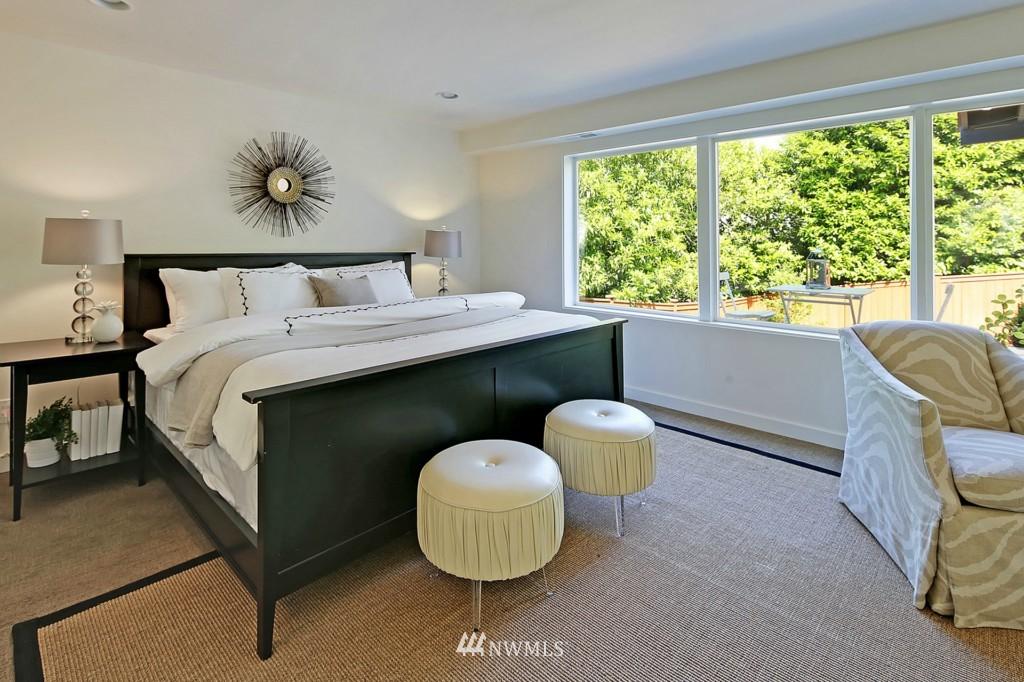 Sold Property   3242 25th Avenue W Seattle, WA 98199 12