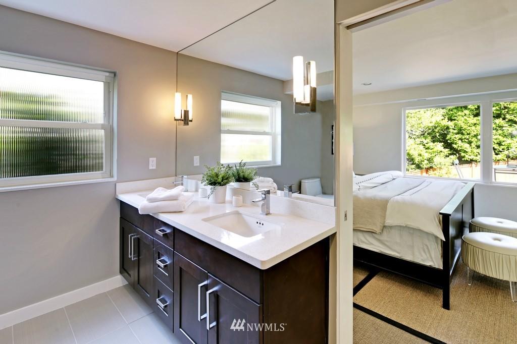 Sold Property   3242 25th Avenue W Seattle, WA 98199 13