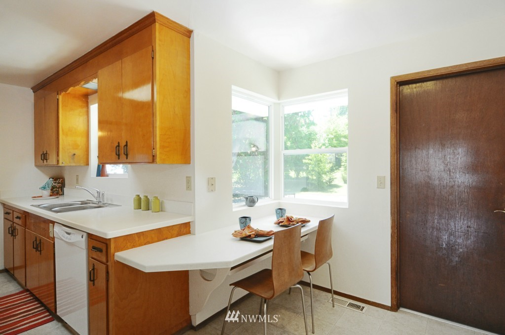 Sold Property | 10339 9th Avenue NW Seattle, WA 98177 7