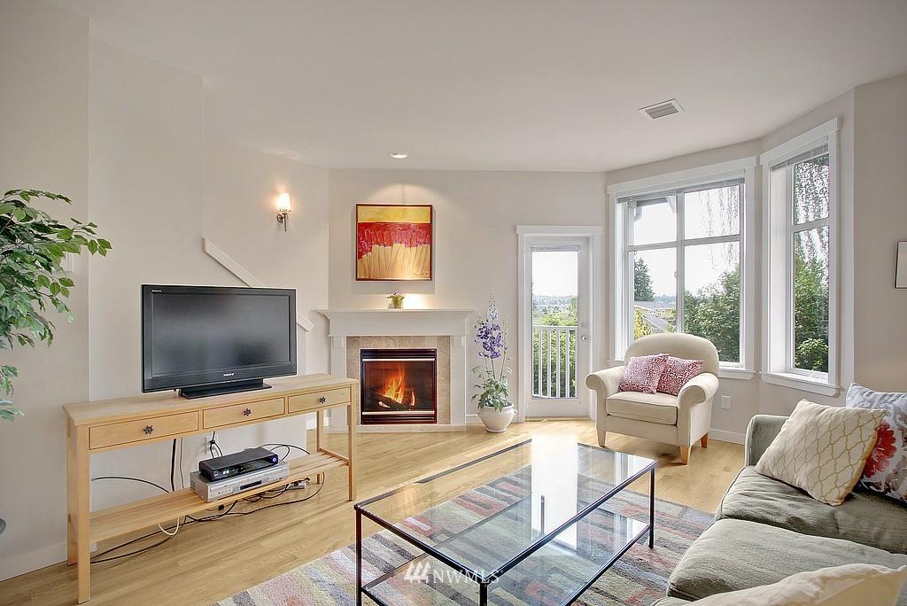 Sold Property | 3635 Wallingford Avenue N #A Seattle, WA 98103 1
