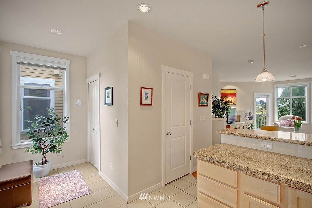Sold Property | 3635 Wallingford Avenue N #A Seattle, WA 98103 4