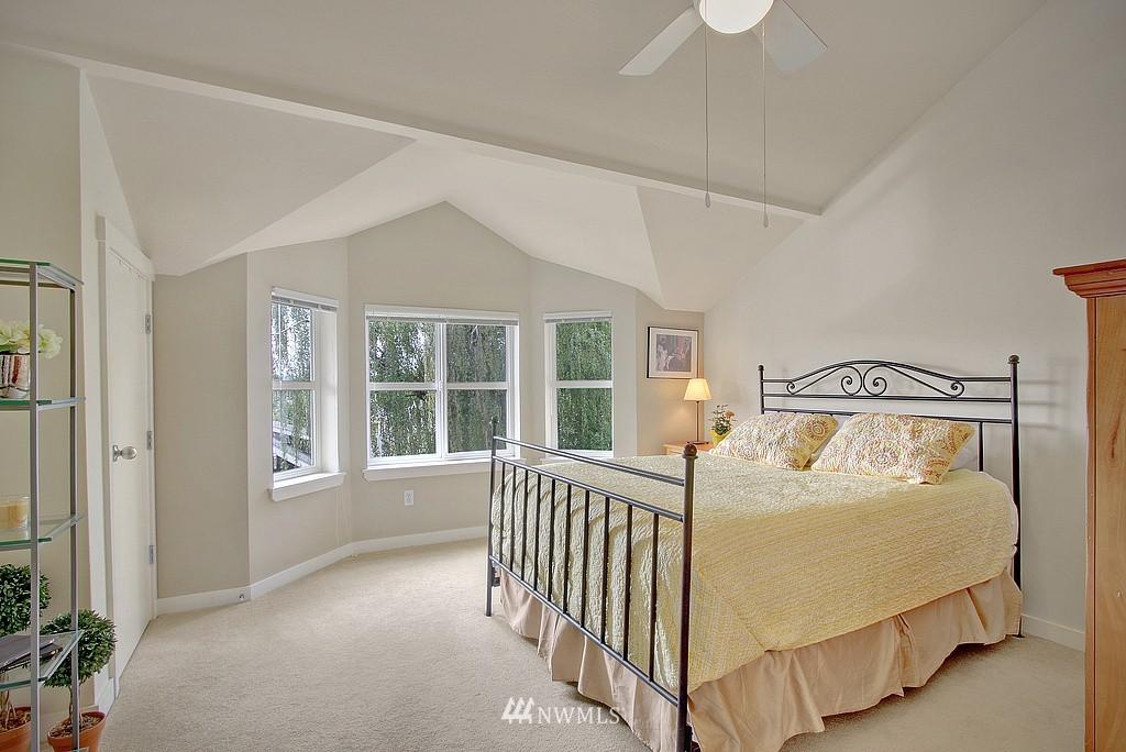 Sold Property | 3635 Wallingford Avenue N #A Seattle, WA 98103 6