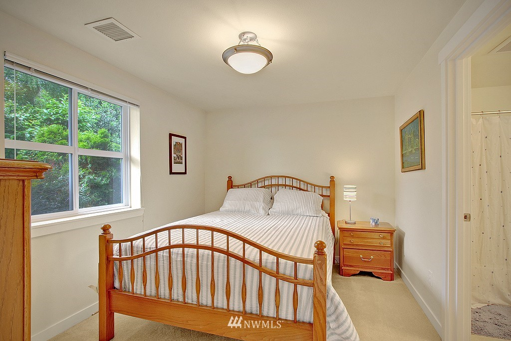 Sold Property | 3635 Wallingford Avenue N #A Seattle, WA 98103 11