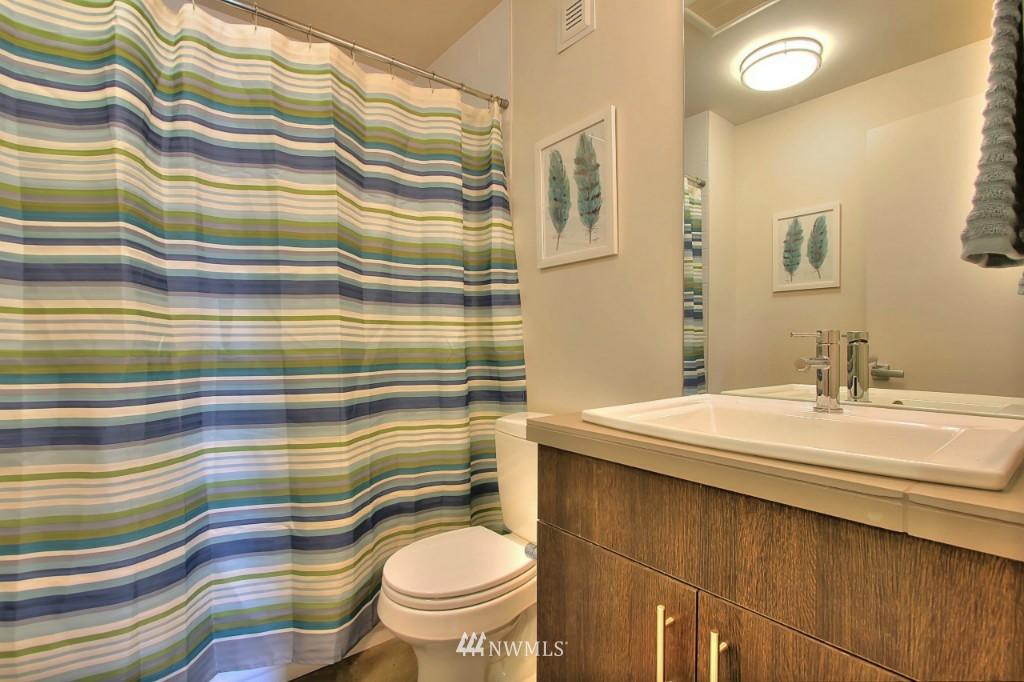 Sold Property   2536 E Madison Street Seattle, WA 98112 19