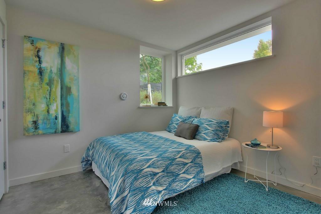 Sold Property   2536 E Madison Street Seattle, WA 98112 15