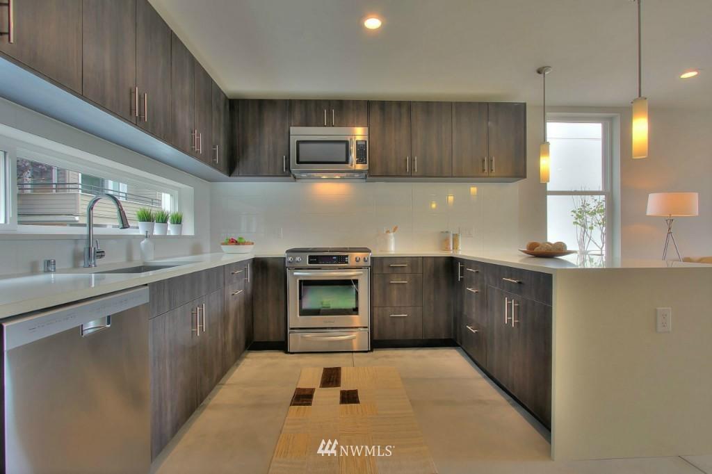 Sold Property   2536 E Madison Street Seattle, WA 98112 3