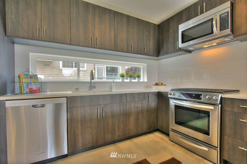 Sold Property   2536 E Madison Street Seattle, WA 98112 2