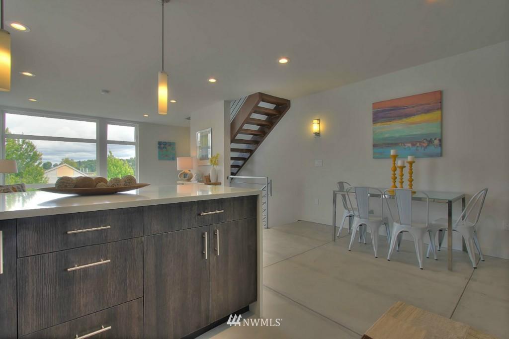 Sold Property   2536 E Madison Street Seattle, WA 98112 5